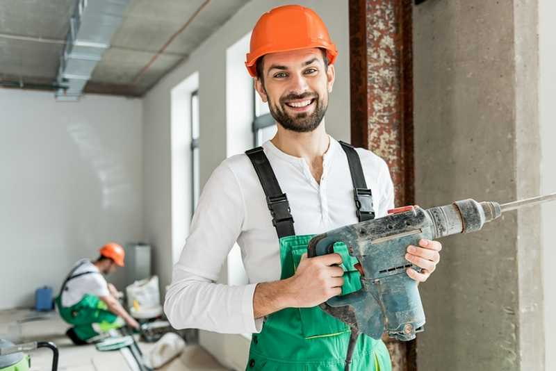 تمیز کردن ابزار برقی و شارژی